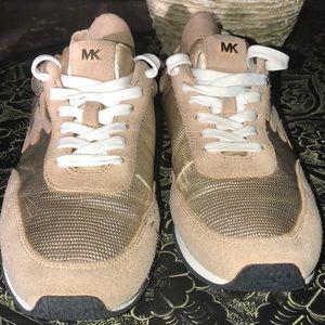 Beautiful Michael Kors tennis shoes